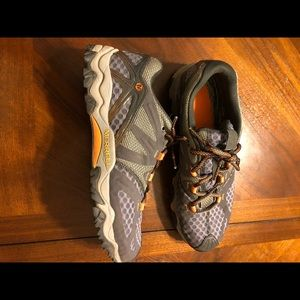 Merrell Shoes - Merrell Men's Size 8.5....NO SOLE INSERTS
